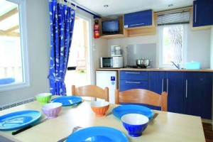 mobilhome 4 personnes 1 chambre cuisine